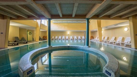 Lavarone wellness beauty relax azienda per il turismo folgaria lavarone e luserna - Folgaria hotel con piscina ...