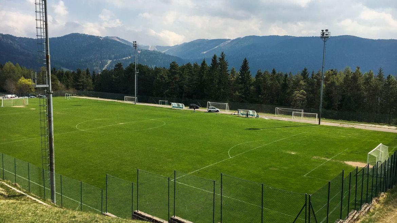 Campi da calcio azienda per il turismo folgaria - Quanto e larga una porta da calcio ...