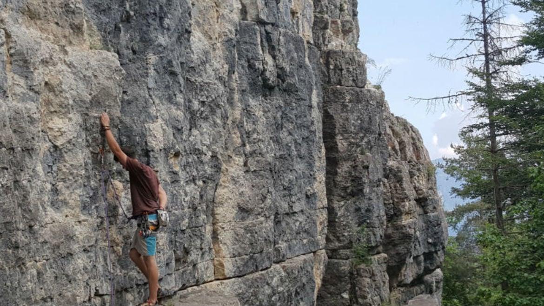 Parete Scalata Roma : Climbstation™ la parete mobile per l arrampicata la palestra